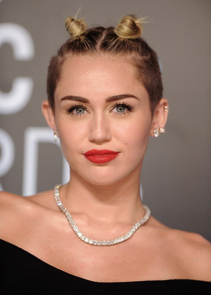 Miley Cyrus Mini Space Buns The Most Iconic Celebrity Hairstyles Of The Past 20 Years Livingly