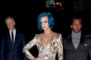 Katy Perry's Ravishing Gold Cocktail Dress