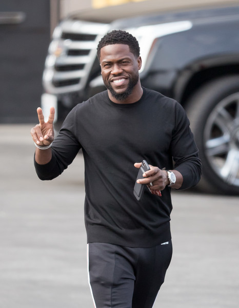 Kevin Hart - 5'4""