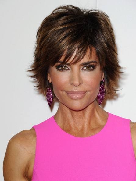 Lisa Rinna Sweeps on Pretty Pale Lipstick - News and Pics - Livingly 639b2a08230f