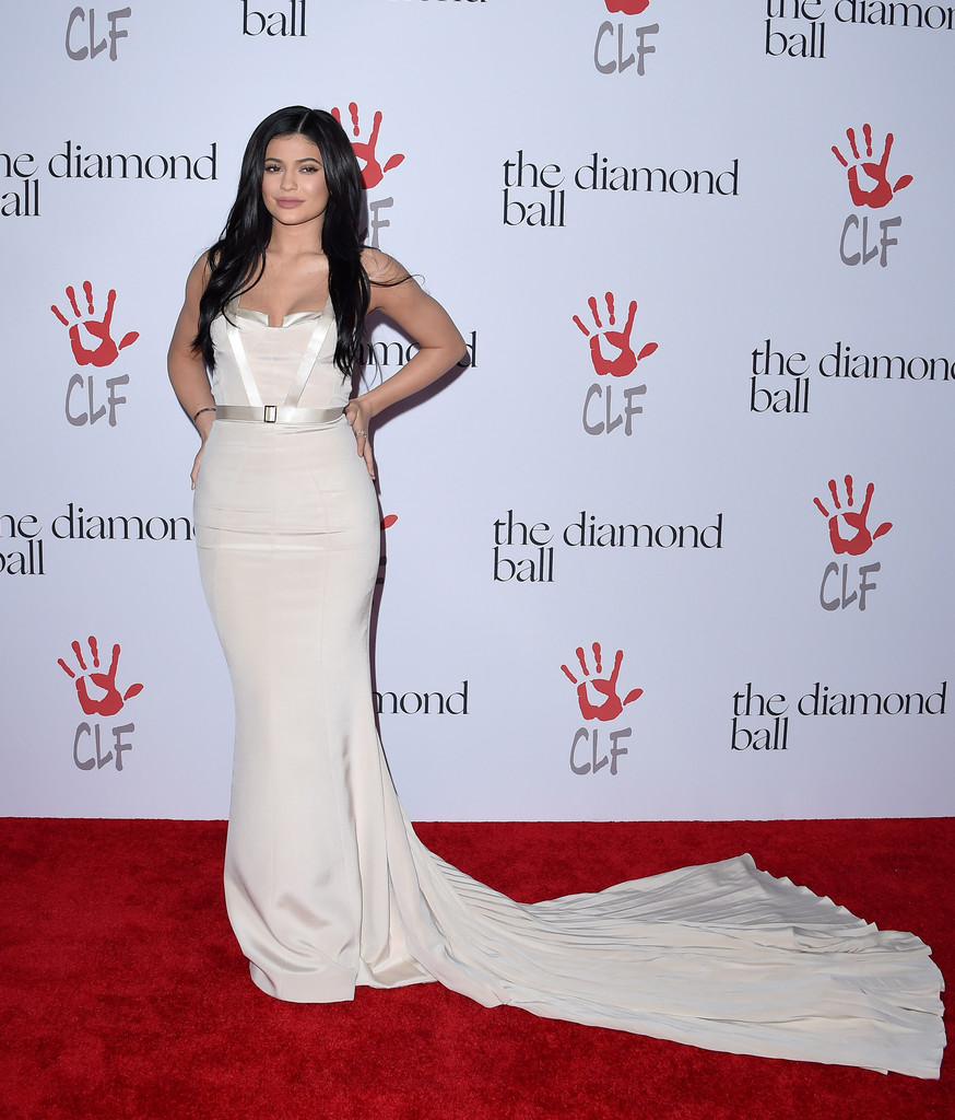 Stunning In A Cream August Getty Atelier Gown At The Diamond Ball ...