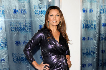 Vanessa Williams Puts Her Best Foot Forward in Christian Louboutin at the 2011 People's Choice Awards