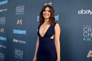 Actress Mandy Moore attends The 22nd Annual Critics' Choice Awards at Barker Hangar on December 11, 2016 in Santa Monica, California.