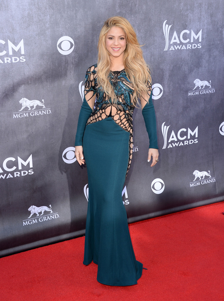 Shakira The Most Daring Red Carpet Dresses Ever Worn At