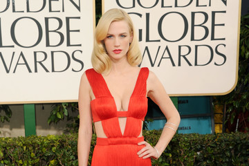 January Jones Is a Retro Sex Goddess in Versace at the Golden Globes