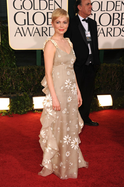 Michelle Williams in Valentino at the 2011 Golden Globes