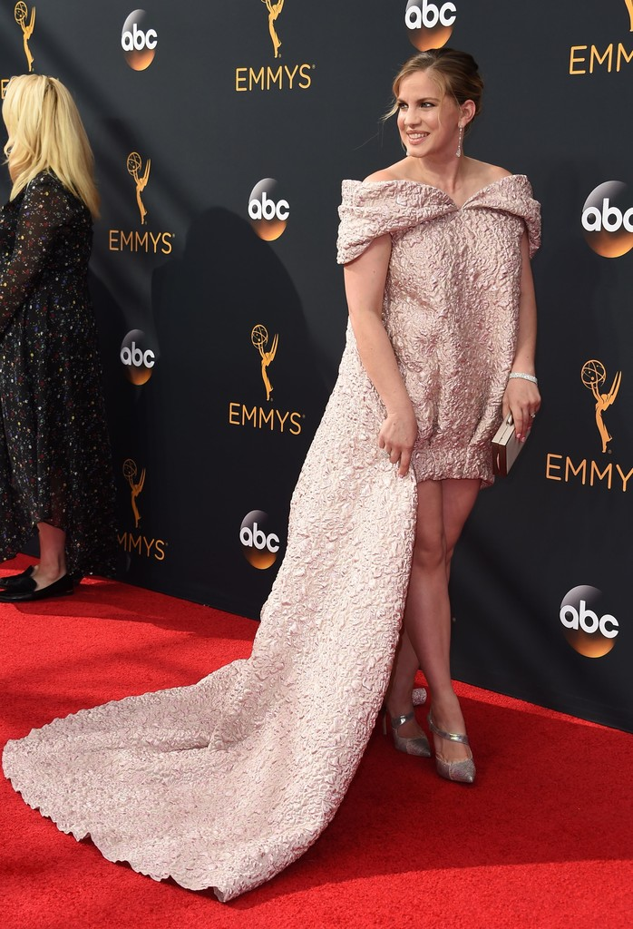 Anna Chlumsky 2016 The Most Daring Emmy Dresses Of All