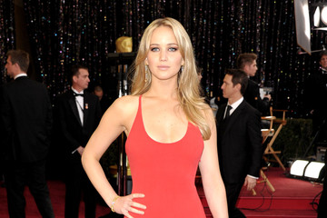 This is What Jennifer Lawrence Wore to Her First Oscars