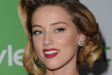 Amber Heard Rocks Vintage Medium Curls
