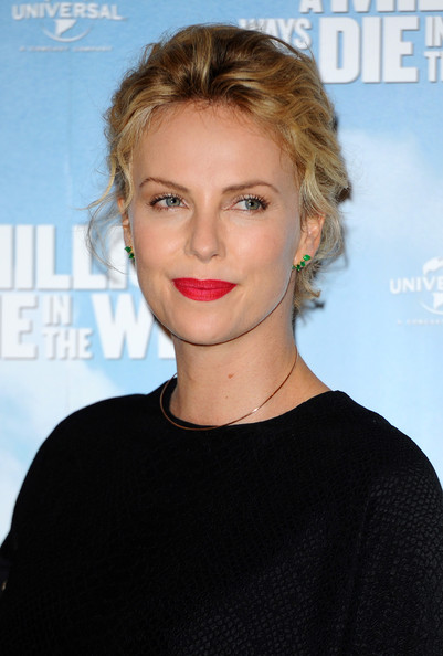Charlize theron celebrity inspired updos for short hair livingly celebrity inspired updos for short hair charlize theron urmus Image collections