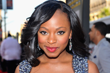 Naturi Naughton's Feathered Medium Curls