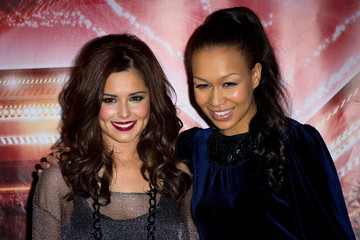 Cheryl Cole Pumps Up the Volume with Medium Curls