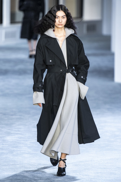 3.1 Phillip Lim at New York Fall 2019 [fashion,fashion model,runway,fashion show,clothing,coat,outerwear,overcoat,haute couture,street fashion,phillip lim,mariacarla boscono,fashion,fashion week,runway,street fashion,clothing,new york fashion week,fashion show,milan fashion week,mariacarla boscono,2018 new york fashion week,milan fashion week,3.1 phillip lim,fashion week,fashion,autumn,fashion show,runway]