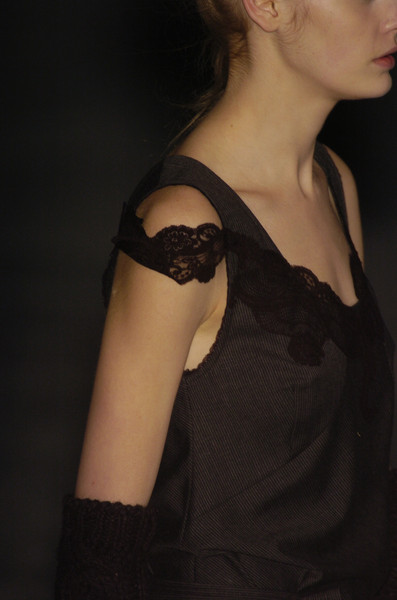 A.F. Vandevorst at Paris Fall 2005 (Details)