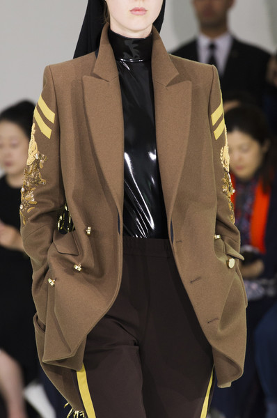 A.F. Vandevorst at Couture Fall 2017 (Details) [fashion,clothing,fashion model,outerwear,fashion show,blazer,runway,suit,formal wear,haute couture,blazer,af vandevorst,socialite,supermodel,couture fall,fashion,runway,haute couture,model,fashion show,runway,fashion show,model,fashion,haute couture,supermodel,blazer,socialite,tuxedo,tuxedo m.]