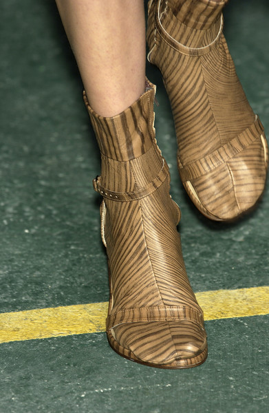 A.F. Vandevorst at Paris Spring 2004 (Details)