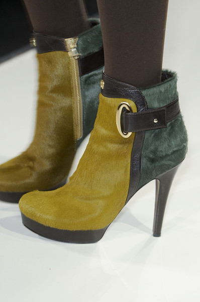 Aigner at Milan Fall 2011 (Details)