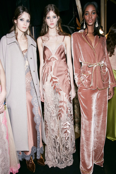 Alberta Ferretti at Milan Fall 2016 (Backstage)