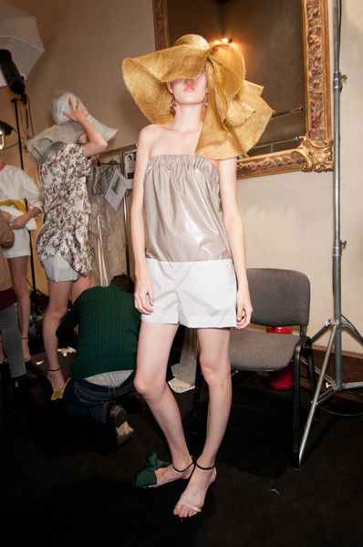 Albino at Milan Spring 2011 (Backstage)
