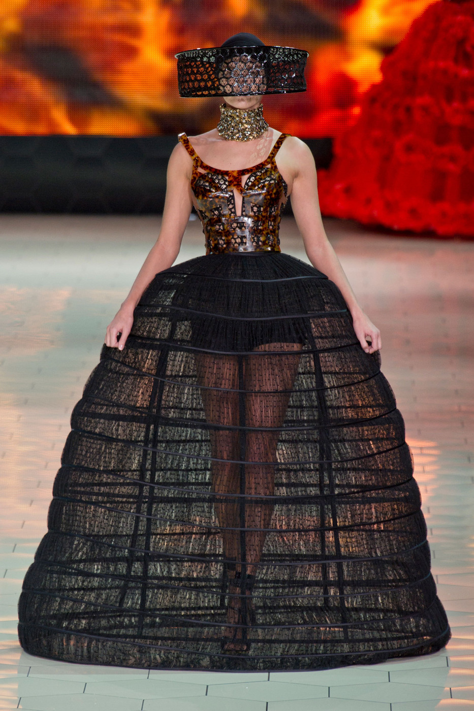 Alexander McQueen at Paris Fashion Week Spring 2013 - Livingly