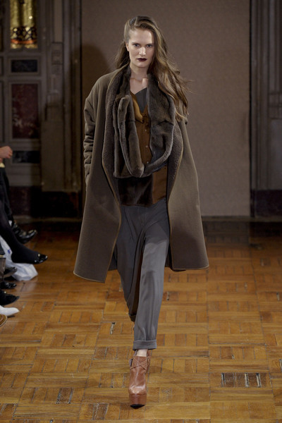 Anne Valérie Hash at Paris Fall 2011