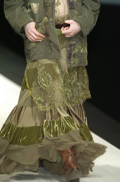 Antonio Marras at Milan Fall 2005 (Details)