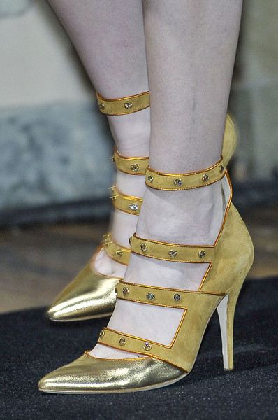 Aquilano.Rimondi at Milan Fall 2011 (Details)