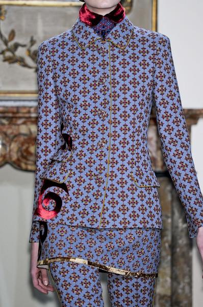 Aquilano.Rimondi at Milan Fall 2012 (Details)