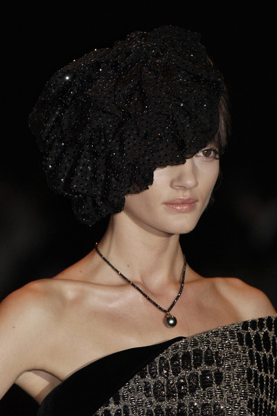 Armani Privé at Couture Fall 2005 (Details)