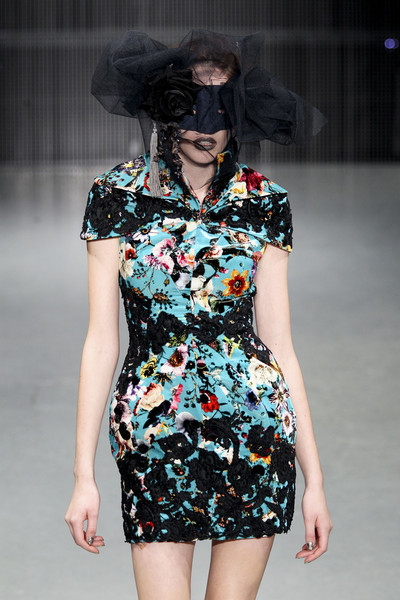 Ashley Isham at London Fall 2011