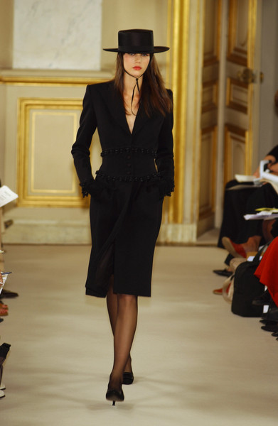 Balmain at Couture Fall 2001 [fashion,runway,fashion model,clothing,fashion show,suit,haute couture,formal wear,outerwear,coat,socialite,couture fall,runway,fashion,haute couture,model,suit,tuxedo,balmain,fashion show,runway,fashion show,haute couture,fashion,model,socialite,tuxedo,tuxedo m.]