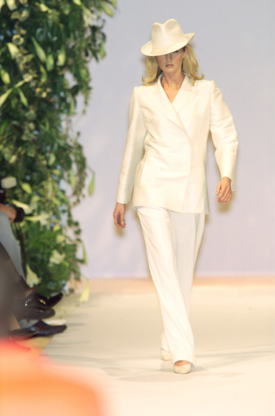 Balmain at Couture Spring 2001 [couture spring 2001,white,clothing,fashion,runway,fashion show,suit,fashion model,formal wear,spring,hat,supermodel,fashion,runway,spring,model,haute couture,white,balmain,fashion show,balmain,runway,fashion show,fashion,haute couture,model,supermodel,spring,isabeli fontana]