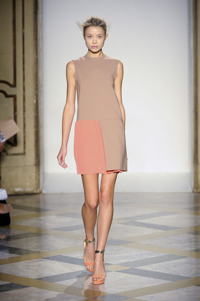 Beequeen by Chicca Lualdi at Milan Spring 2012