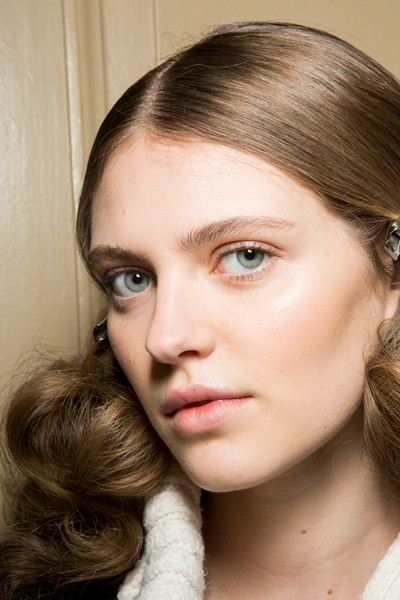Blumarine at Milan Fall 2017 (Backstage)