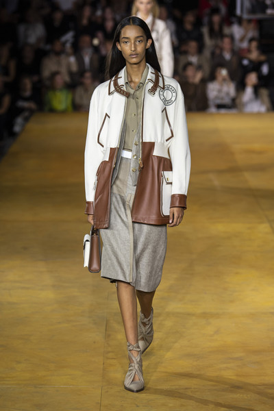 Burberry Prorsum at London Spring 2020 [fashion,fashion show,runway,fashion model,clothing,footwear,public event,human,event,outerwear,footwear,riccardo tisci,runway,fashion,fashion model,clothing,burberry prorsum,burberry,london fashion week,fashion show,riccardo tisci,runway,fashion show,london fashion week,ready-to-wear,burberry,fashion,runway couture,model]