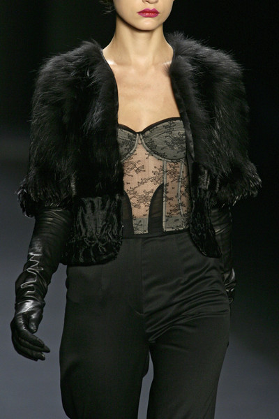 Carmen Marc Valvo at New York Fall 2008 (Details)