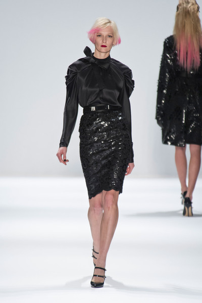 Carmen Marc Valvo at New York Fall 2013