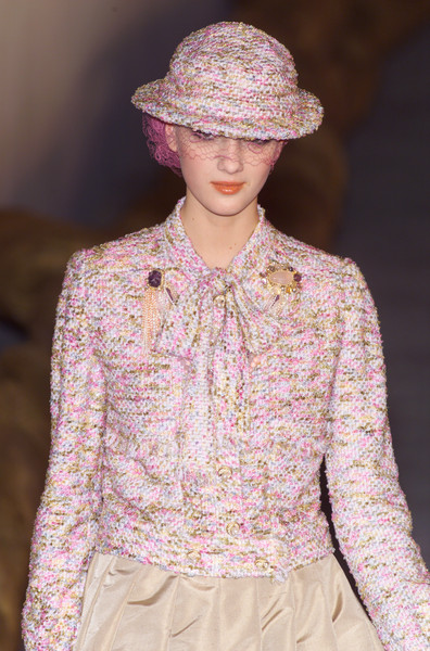 Chanel at Couture Spring 2001