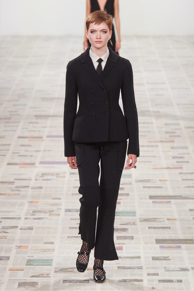 Christian Dior at Paris Fall 2020 [suit,clothing,fashion,fashion show,formal wear,fashion model,runway,pantsuit,outerwear,blazer,christian dior,maria grazia chiuri,fashion,clothing,fashion week,row,wear,fashion model,paris fashion week,fashion show,maria grazia chiuri,paris fashion week,fashion show,fashion,ready-to-wear,the row,fashion week,clothing,fashion accessory]