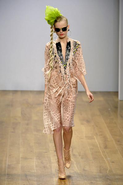 Danielle Scutt at London Spring 2009