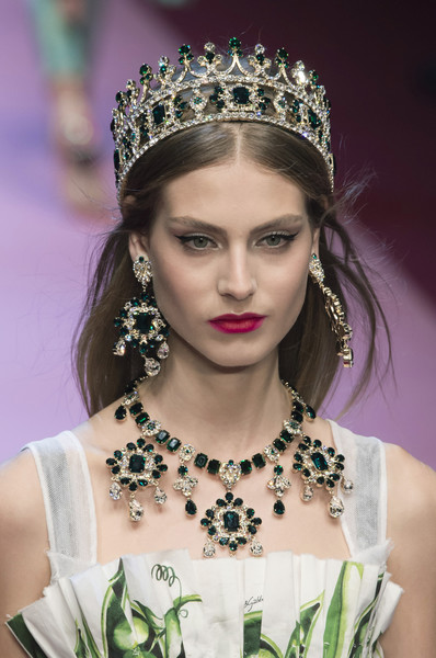 Dolce & Gabbana at Milan Spring 2018 (Details) [headpiece,hair,hair accessory,fashion,jewellery,beauty,crown,fashion accessory,tiara,hairstyle,tiara,jewellery,sunglasses,fashion,spring,haute couture,beauty,crown,dolce gabbana,milan fashion week,dolce gabbana,fashion,milan fashion week,tiara,jewellery,spring,haute couture,sunglasses,fashion show]