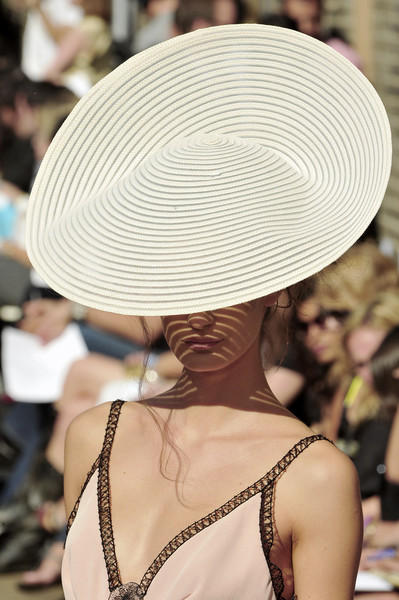 Douglas Hannant at New York Spring 2009 (Details)