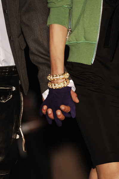 Dsquared² at Milan Fall 2005 (Details)
