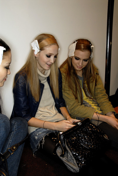 Elie Saab at Paris Fall 2007 (Backstage)