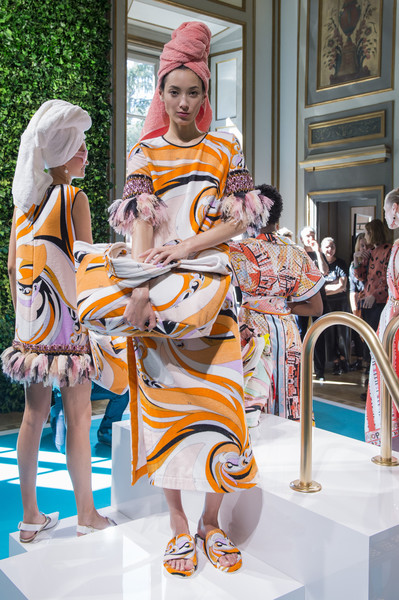 Emilio Pucci at Milan Spring 2018 [yellow,fashion,statue,vacation,tourism,temple,architecture,sculpture,leisure,art,emilio pucci,fashion,fashion week,statue,tourism,temple,architecture,milan fashion week,fashion show,vacation,emilio pucci,milan fashion week,fashion show,ready-to-wear,fashion week,fashion,new york fashion week,designer,runway,spring]