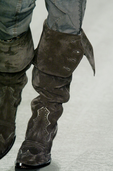 Ermanno Scervino at Milan Fall 2005 (Details)