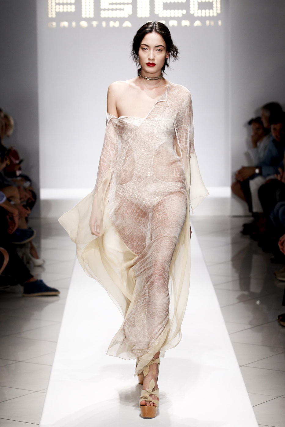 Fisico Spring 2012 Runway Pictures