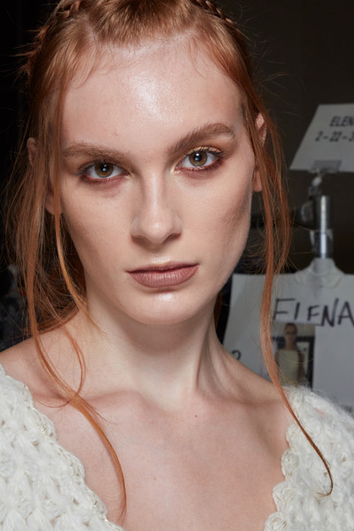 Frederick Anderson at New York Spring 2022 (Backstage) [forehead,face,nose,cheek,skin,joint,head,lip,chin,eyebrow,frederick anderson,lisa nilsson,hairstyle,hair,forehead,hair coloring,face,nose,skin,new york fashion week,lisa nilsson,whos sleeping in my bed,hairstyle,sin senos s\u00ed hay para\u00edso,hair coloring,layered hair,brown hair,forehead,album cover,blond]