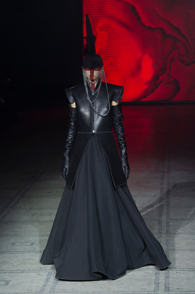 Gareth Pugh at London Fall 2015