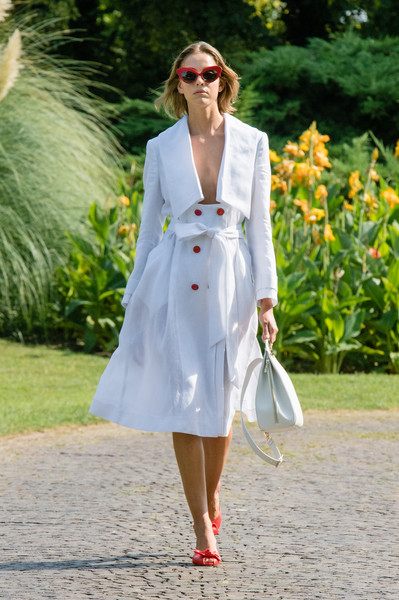 Genny at Milan Spring 2021 [clothing,white,street fashion,trench coat,fashion,coat,outerwear,footwear,dress,shoe,genny,dior,fashion,model,trench coat,coat,prada,max mara,milan fashion week,fashion show,milan fashion week,ready-to-wear,fashion,prada,dior,max mara,fashion show,model]